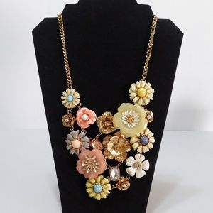Jewelry - Floral Statement Bib Flower Necklace